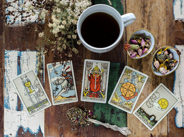 Tarot n Tea - A Monthly Tea Box
